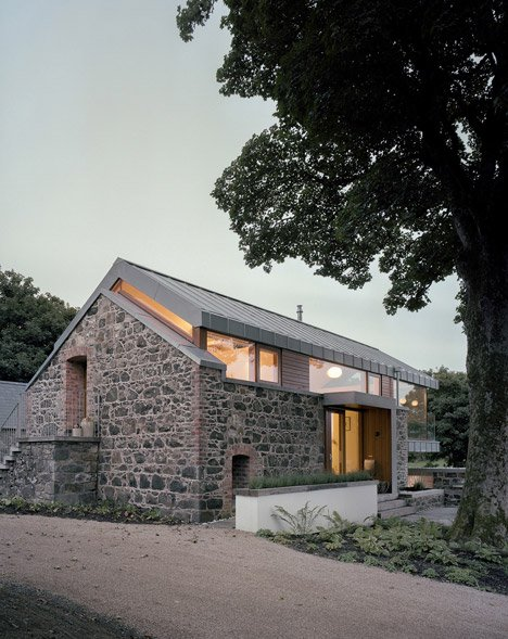 Loughloughan Barn by McGarry Moon Architects Ltd_dezeen_4