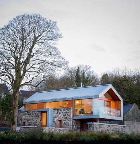 Loughloughan Barn by McGarry Moon Architects Ltd_dezeen_9