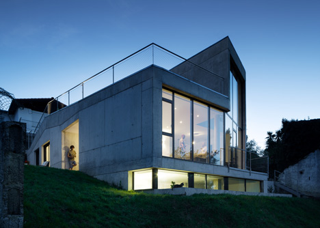 MNGB House by VAUM Architects
