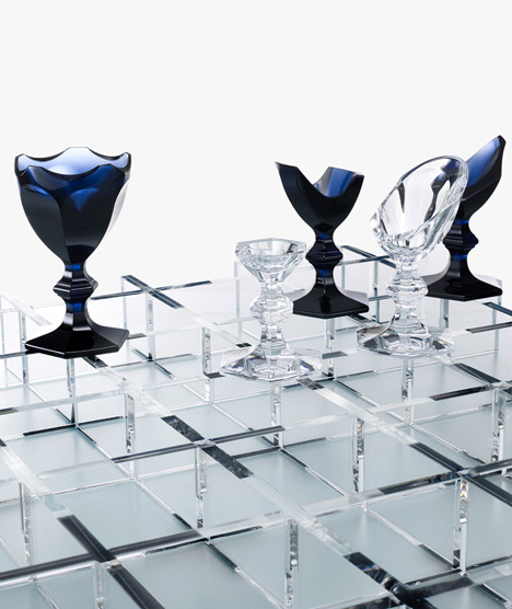 Nendo glass chess set for Baccarat