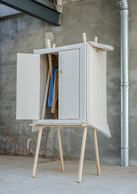 Pop-up Linen wardrobe by Renate Nederpel