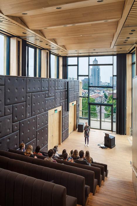 Rozet by Neutelings Riedijk architecten