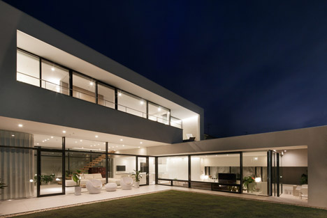 S residence by so1architect