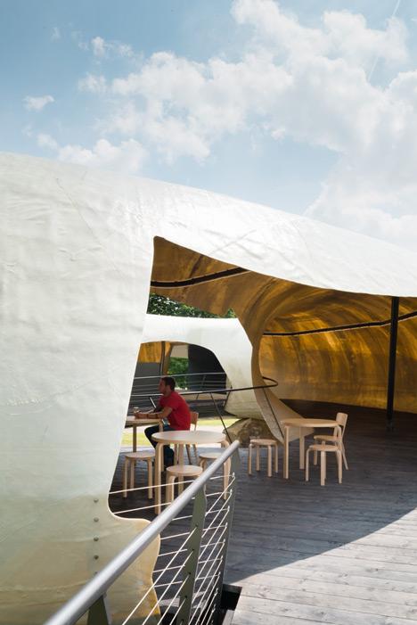 Serpentine Pavilion photographed by Jim Stephenson_dezeen_13