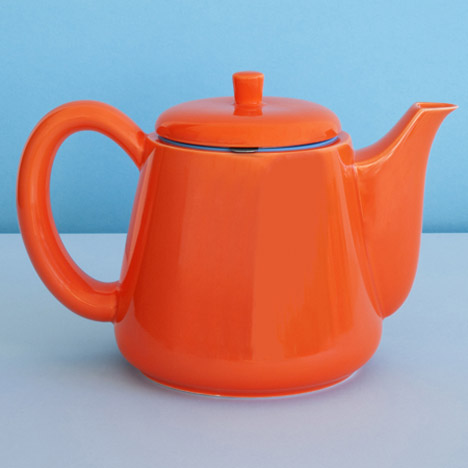 "George Sowden designs Softbrew Teapots to alleviate ""lousy"" tea bags"