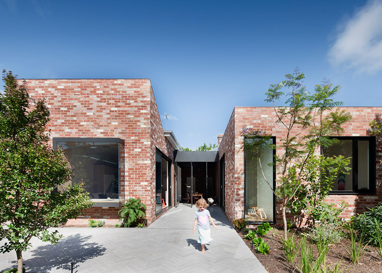 Victorian house renovation by Clare Cousins features a courtyard dining room