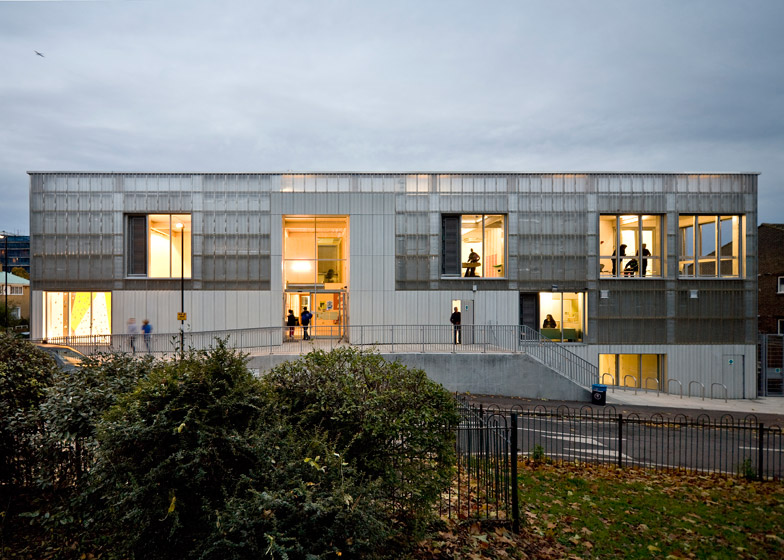 TNG Youth and Community Centre by RCKa