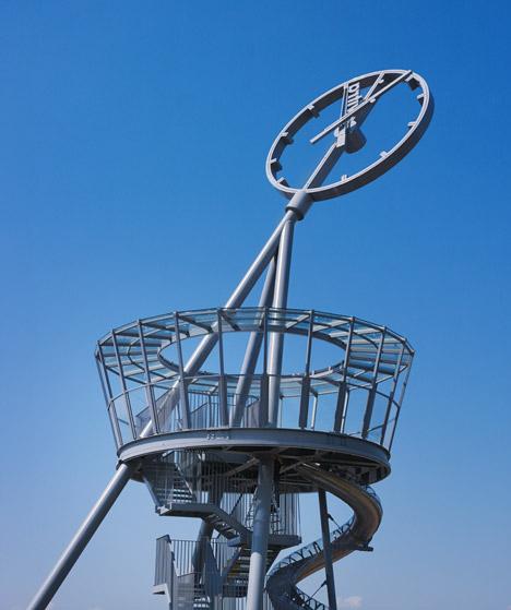 Vitra-Slide-Tower-by-Carsten-Holler_dezeen_468_7