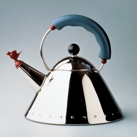 9093 kettle by Michael Graves for Alessi