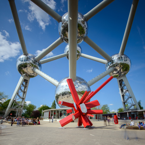 Arik Levy's RockGrowth sculpture sits under the Atomium