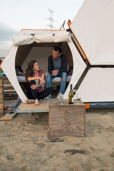B-and-Bee stackable sleeping cells for festivals