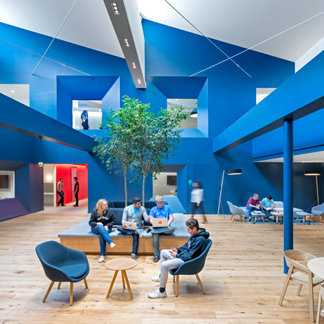 Bestor Architecture uses primary colours<br /> in Beats by Dre headquarters