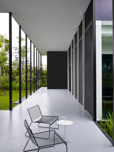 Awesome Carverhaggard Bases Black And White Gallery On Colonial Architecture Largest Home Design Picture Inspirations Pitcheantrous