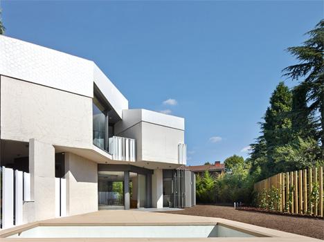 Casa Zinganshina by Bailo Rull arquitectura. Image by José Hevia.