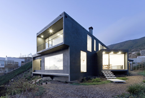 Catch The Views House Chile by Land