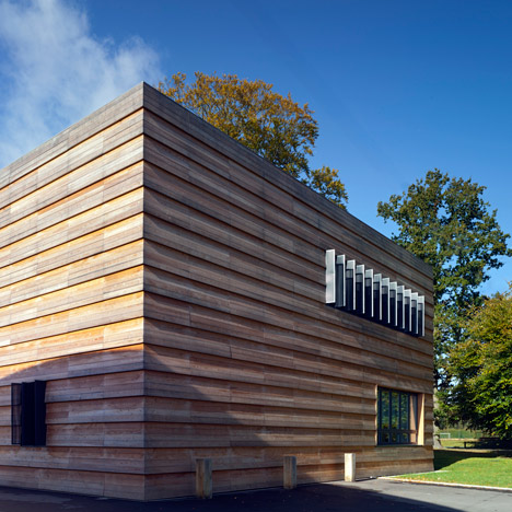 Mitchell Taylor Workshop pairs timber with<br /> aluminium at Berkshire music college