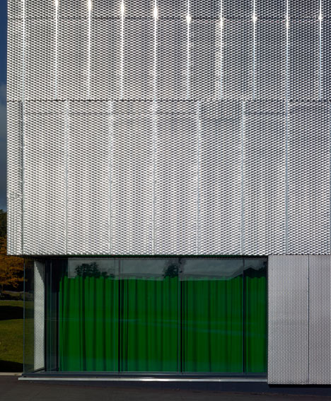 Communication Centre at Pangbourne College by Mitchell Taylor Workshop