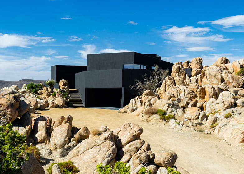 Desert House by Oller and Pejic