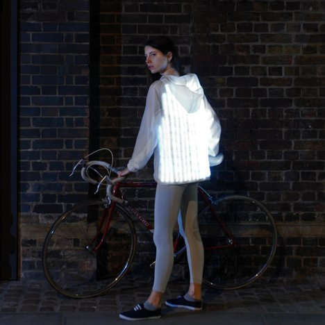 Deimatic Clothing mimics animal defence mechanisms to get women cycling