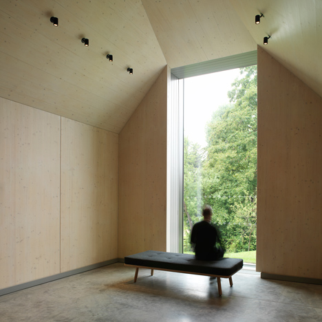 Adam Richards Architects unites old and new at Ditchling art and craft museum
