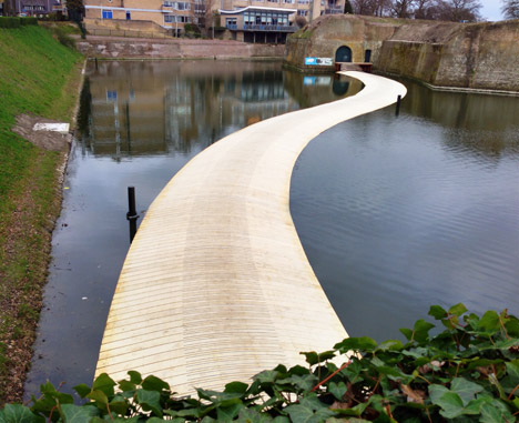 Dutch Floating Bridge by RO and AD architects_dezeen_2