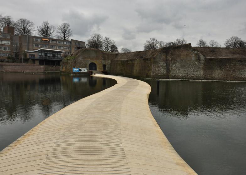 Dutch Floating Bridge by RO&AD architects