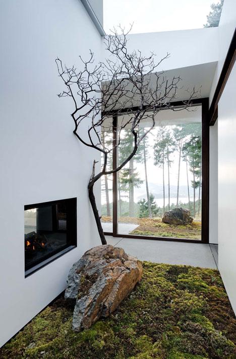 Eagle Ridge Residence by Gary Gladwish Architecture
