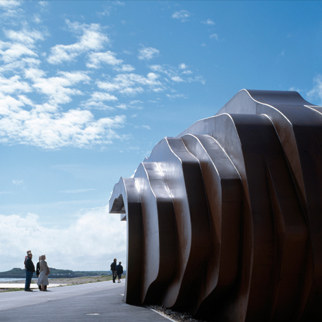 East-Beach-Cafe-by-Thomas-Heatherwick_dezeen_sq-1