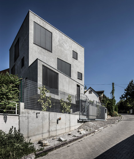 Family House Dlhe Diely Bratislava by Plusminus Architects