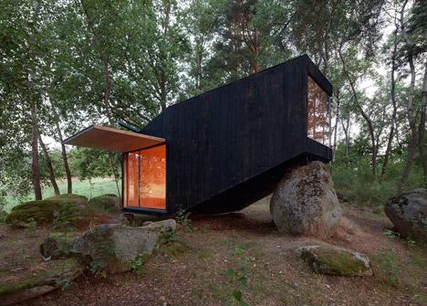 Forest Retreat by Uhlik Architekti