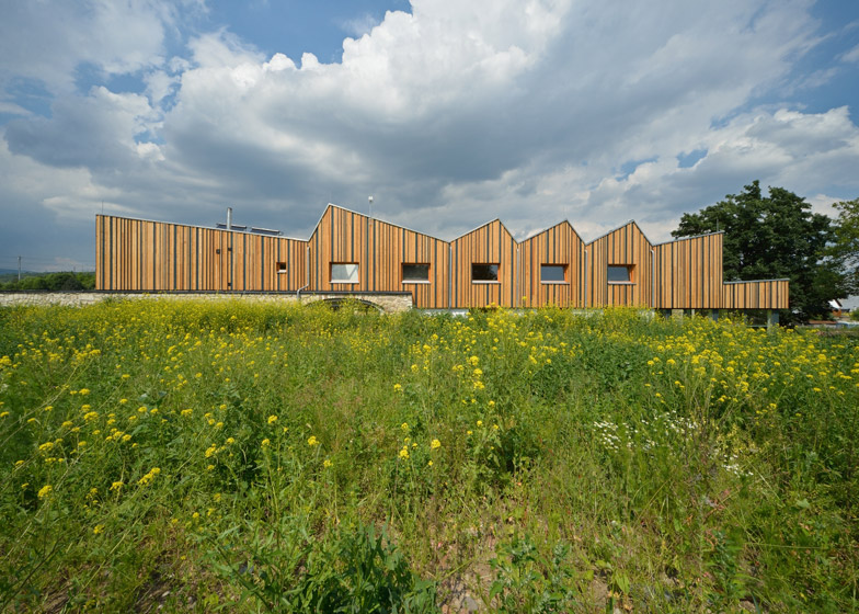 JACER - training center by 3+1 architekti