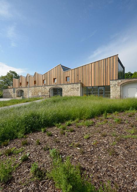 JACER - training center by 3+1 Architekti