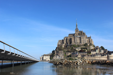 Jetty-to-Mont-Saint-Michel-by-Dietmar-Feichtinger-Architectes_dezeen_468_4 Courage