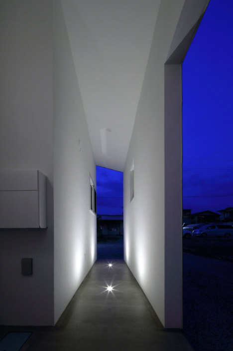 KHT-house-by-IRA_dezeen_468_36