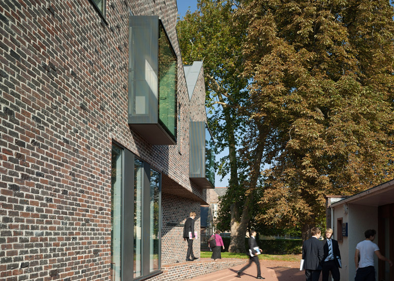 Kings College Library by Mitchell Taylor Workshop