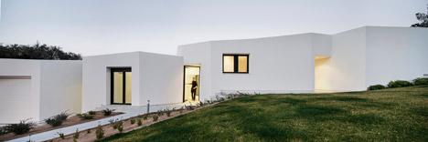 House in Llavaneres by Mirag