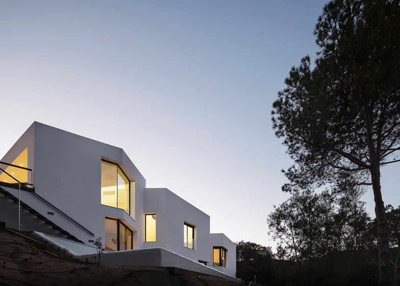House in Llavaneres by Mirag