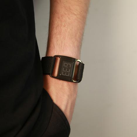 PXR-5 in black/black