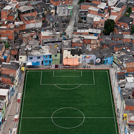 Pelada football pitch in São Paulo photographed by Leonardo Finotti