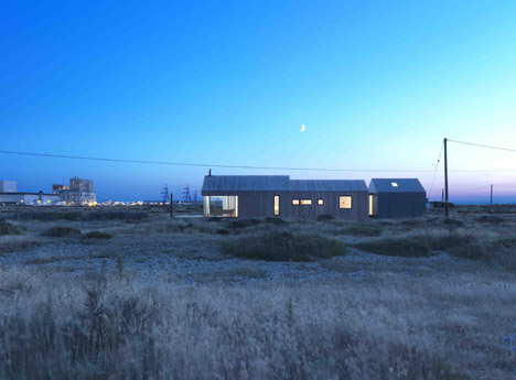 Pobble_House_Dungeness_by_Guy_Hollaway_dezeen_468_7