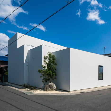 Three overlapping blocks make up Keitaro Muto's Sunomata house