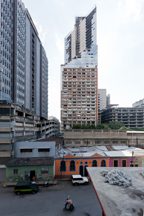 Torre David skyscraper photographed by Iwan Baan