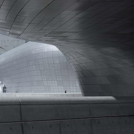 Zaha Hadid Dongdaemun Design Plaza Seoul