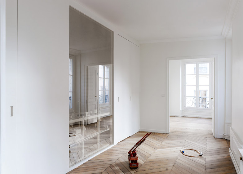 Apartment in the 6th Paris by CUT Architectures