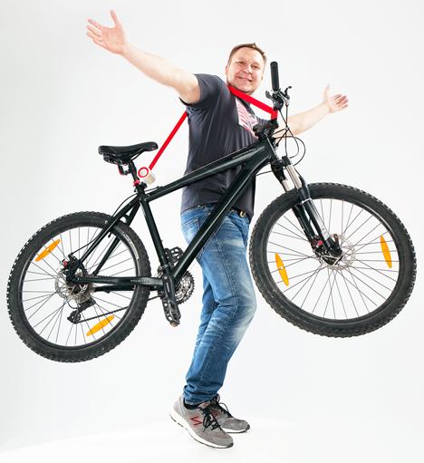 Bike Lift and Carry by Aleksandr Mukomelov