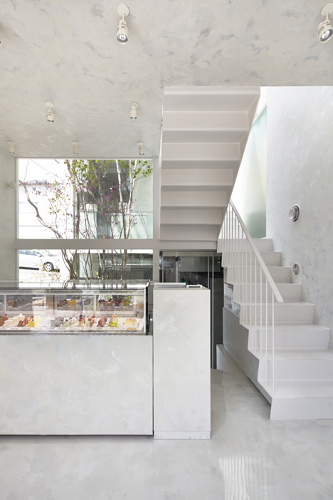 L'Espoir Blanc cafe and sweet shop by Yuko Nagayama