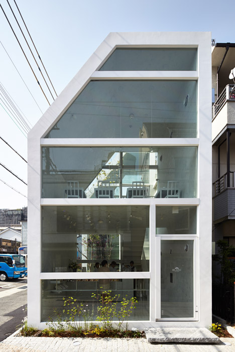 L'Espoir Blanc cafe and sweet shop by Yuko Nagayama
