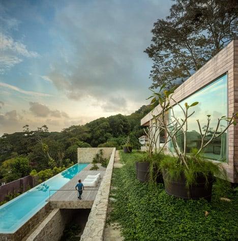 Casa AL by Studio Arthur Casas photos by Fernando Gurra