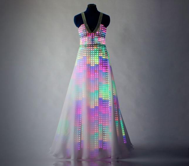 5 Designers Using Smart Textiles in Intelligent Ways - Le Souk
