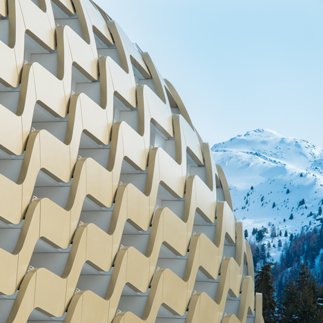 "Oikios completes Alpine hotel with ""unbuildable facade"""